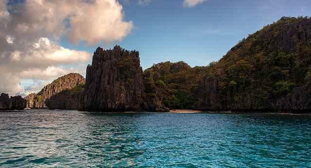 acantilados en Palawan, Filipinas