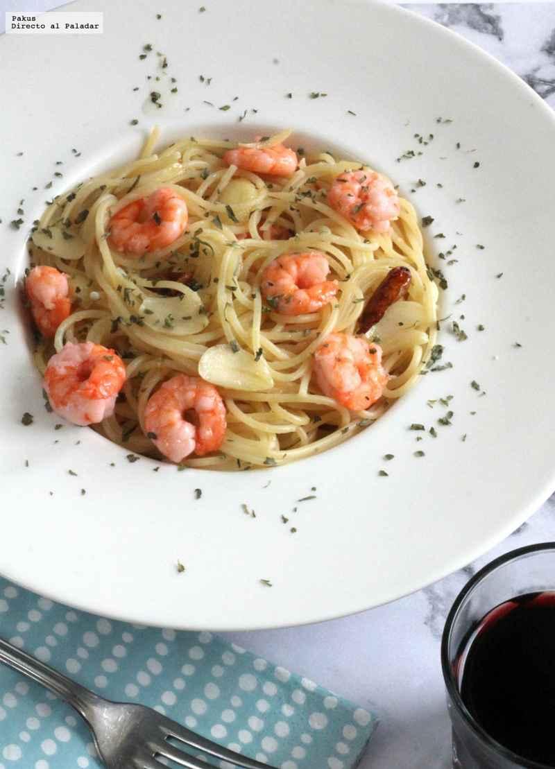 Espaguetinis Con Gambas Al Ajillo Receta Expres De Pasta Con Tres Ingredientes Hablame Del Mar